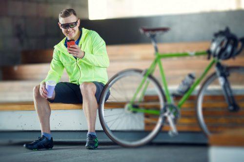 Die fortschreitende Digitalisierung wird nun auch zunehmend im Fahrradbereich spürbar. Das Smartphone spielt dabei eine nicht unwesentliche Rolle.shutterstock