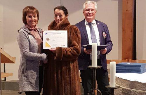 Die Internationale Präsidentin Gudrun Yngvadottir, Regionsleiterin Irmi Sachs-Ritter und Governor Klaus Went.
