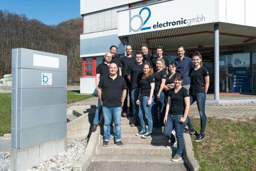 Die Mitarbeiter von b2 electronic sind jetzt Mitglieder der Omicron Gruppe. Der Zusammenschluss erfolgt noch im März. FA