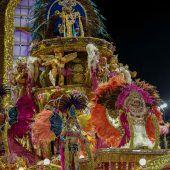 Millionen Besucher feiern Karneval in Rio