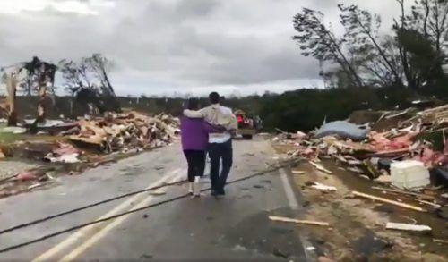 Die Tornados zogen eine Schneise der Verwüstung durch Alabama. ap