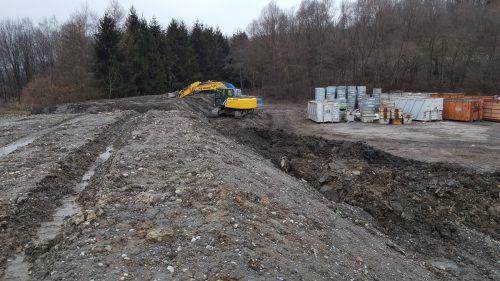 Dieses den VN im März 2016 zugespielte Bild bewies das illegale Vergraben von Müll auf dem Lustenauer Häusle-Areal.