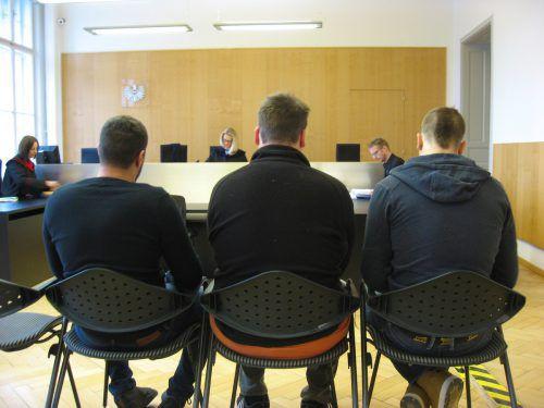 Einer der drei Angeklagten wurde freigesprochen, die beiden anderen zu teilbedingten Geldstrafen verurteilt. Eckert
