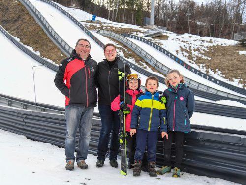 Familie Peyriere aus Frankreich möchte ins Montafon ziehen. Dann kann Tochter Gwladys die Skimittelschule Schruns besuchen. VN/Lerch