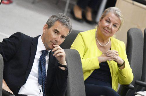 Finanzminister Löger und Sozialministerin Hartinger-Klein: Die Regierung sucht nach einer Lösung zur Pflegefinanzierung. APA
