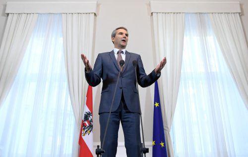 Finanzminister Löger will mit seinem Digitalpaket 200 Millionen Euro lukrieren. Experten glauben, dass es weniger zusätzliche Einnahmen werden könnten.APA