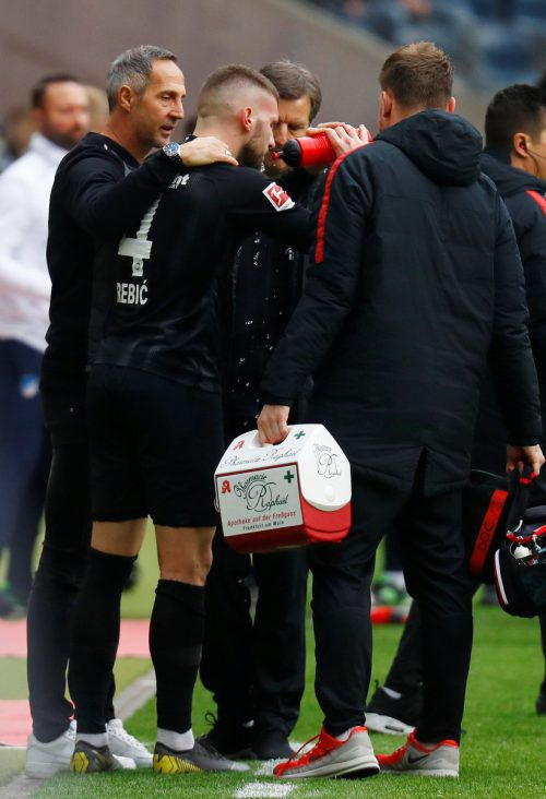 Frankfurt-Trainer Adi Hütter während der Verletzungspause von Ante Rebic.Reuters