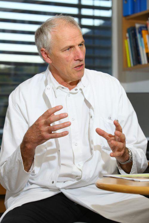 Für den Chefarzt des LKH Feldkirch, Primar Wolfgang Elsäßer, ist die derzeitige Personalsituation in seinem Bereich alles andere denn zufriedenstellend. vn