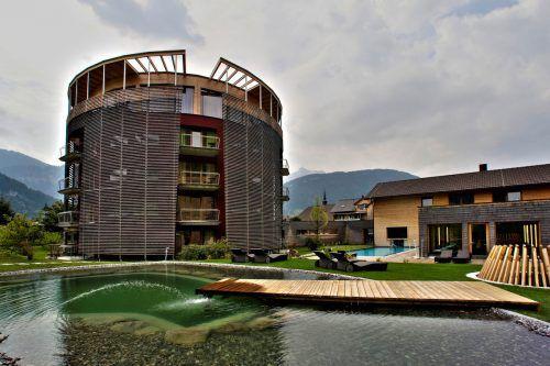 Für vier Millionen Euro werden der Spa-Bereich erweitert und die Suiten einer Erneuerung unterzogen. VN
