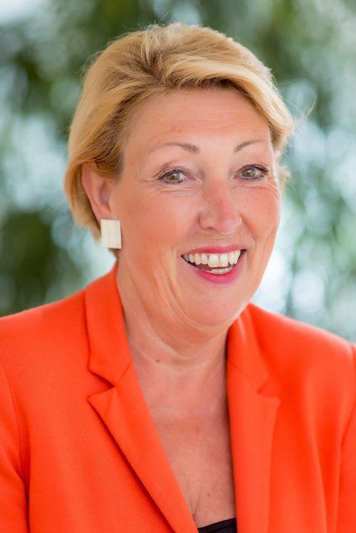 Helga Thurnher stellt sich in den Dienst der guten Sache. schedl