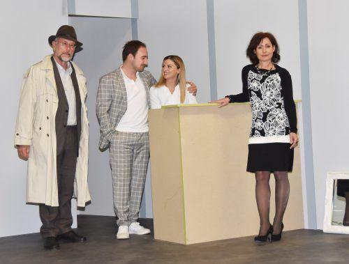 """Die Theatergruppe Fußach zeigt derzeit mit großem Erfolg das Stück """"Der Neurosenkavallier"""" in der Mehrzweckhalle. ajk"""