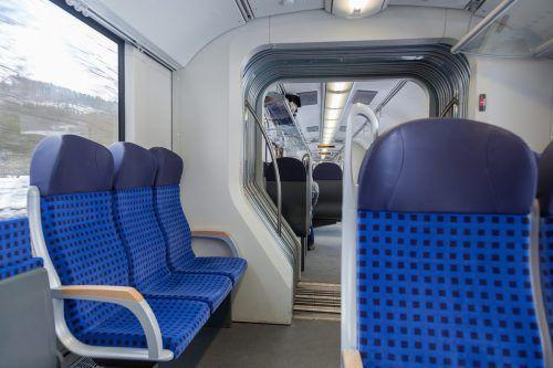 Hightech-Stoffe für Bahn und Bus stellt Schöpf her.Fa