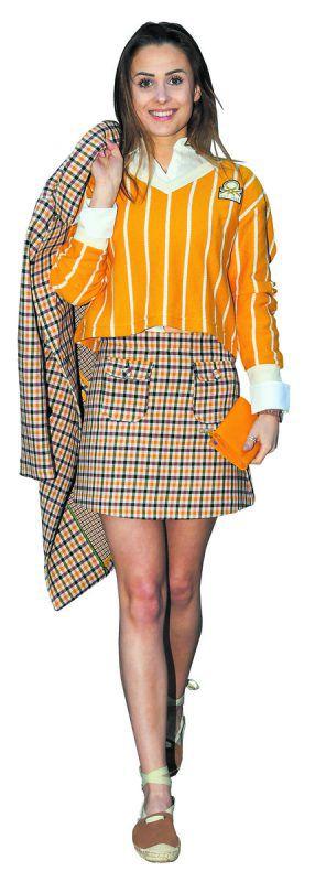 Hingucker             Lisa präsentiert ein schickes Frühlings-Ensemble von Benetton Bludenz: Bluse (39,95 €) und Pullover 39,95 €, Rock 69,95 €, Mantel (249 €) und Schuhe (39,95 €). O. Lerch