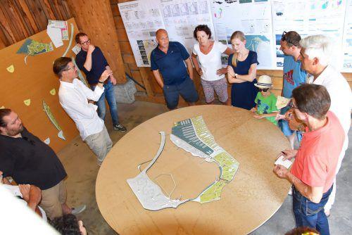 Im Juni waren die Harder zu einer ersten Info-Runde zur Hafengestaltung eingeladen. ajk
