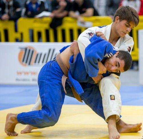 Im Sog von Olympiakandidat Laurin Böhler will sich Vache Adamyan (blauer Kimono) an die europäische Spitze herankämpfen. ÖJV