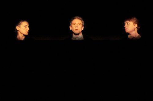 """In der Landestheater-Box stand mit """"Spiel"""" ein sehenswertes Beckett-Stück auf dem Plan."""