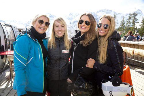 Janine Hehle, Marion Gursch, Nathalie Hehle und Martina Füchsl (v.l.) genossen das Event. D. Mathis
