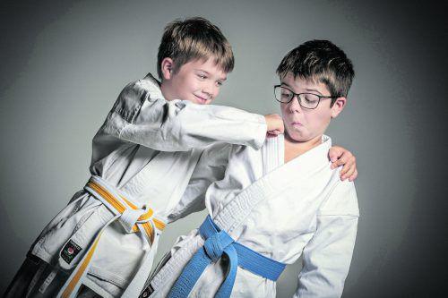 Karate Bregenz bietet Karate- und Selbstverteidigungskurse für Kinder, Jugendliche, Erwachsene und Familien an.stefan mayr