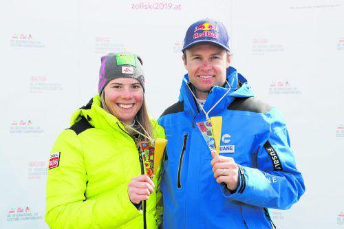 Katharina Liensberger feiert mit Alexis Pinturault den Riesentorlauftitel bei den internationalen Zoll-Meisterschaften.gepa