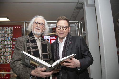 Künstler Hugo Ender und ORF-Landesdirektor Markus Klement.