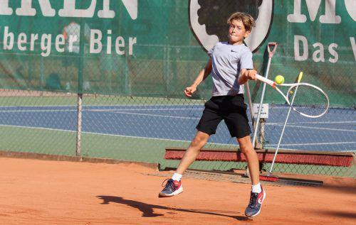 Lorenz Brunner wurde ÖTV-U-12-Vizemeister im Einzel und jubelte über Bronze zusammen mit seinem Zwillingsbruder Lukas im Doppel.???