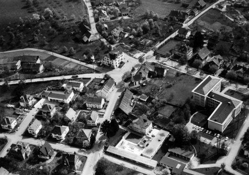 Luftbild der Franz-Ritter-Kreuzung um 1965. Vom Gasthof Franz Ritter stehen nur mehr die Grundmauern. Archiv stadt Bregenz