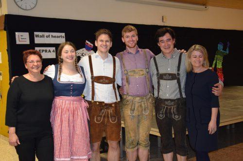 Lydia, Adam, Giles und Sam aus England. Mittelschule Sulz-Röthis