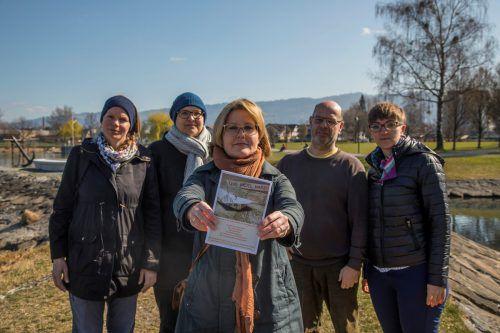 Martina Hämmerle, Pia Hollenbach,Lu Heimbach, Eckehard Krischke (Harder Liste) und Eva Schwendinger fragen: Quo vadis, Hard?