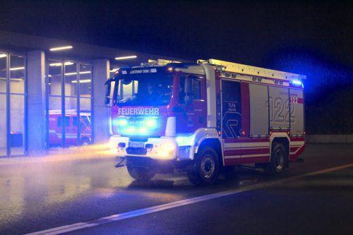 Mit Blaulicht kam das neue Erstangriffsfahrzeug in Lustenau an. bin