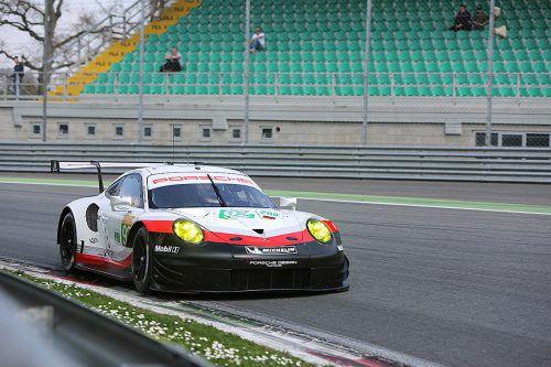 Mit der Nummer 92 an seinem Werksporsche 911 RSR steuert der Wahl-Höchster Kevin Estre in Richtung Weltmeister in der GT PRO Klasse.Noger/2