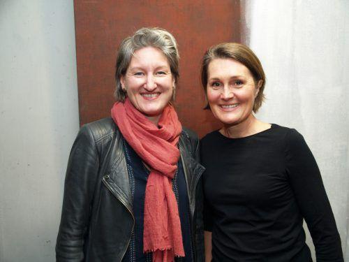 Produktionsleiterin Mirjam Steinbock und Vizebgm. Angelika Moosbrugger.