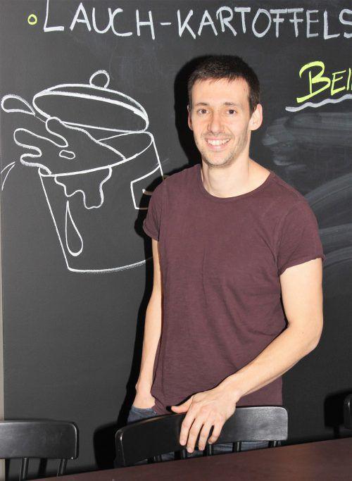 Raphael Barwart freut sich auf die morgige Eröffnung der zäwas Suppenbar. VN/JS