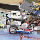 Im Festspielhaus sind die Lego-Roboter los