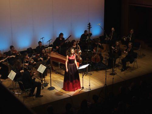 Svetlina Stoyanova mit dem CSM: Die Mezzosopranistin versteht mit ihrer Bühnenpräsenz auch ohne Kulissen echte Theateratmosphäre zu schaffen. F. jurmann