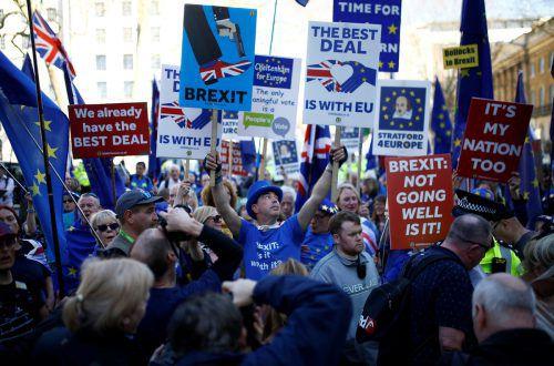 Täglich ziehen Brexit-Gegner durch Londons Straßen. reuters