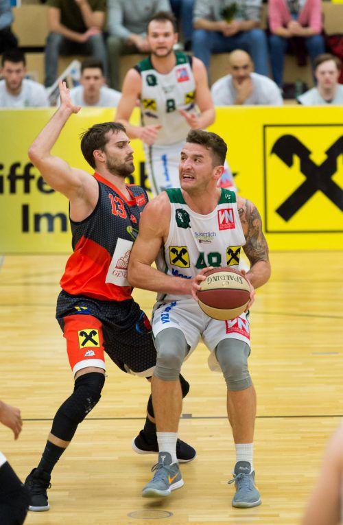 Timur Bas (22 Punkte, zehn Rebounds) verzeichnete so wie Javier Medori (21 Punkte, elf Rebounds) gegen St. Pölten ein Double-Double.VN/Stiplovsek