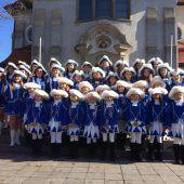 Gardegala bietet Show in Höchst