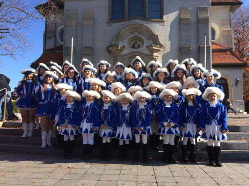Unter den Teilnehmern der Gardegala in der Rheinauhalle ist die Kinder- Teeny- und Prinzengarde Höchst. vlk