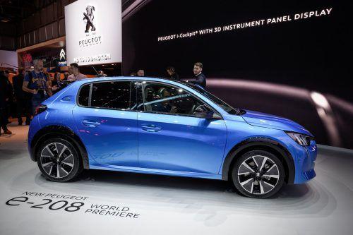 Viel beachtete Weltpremiere des neuen Peugeot e-208 in Genf.