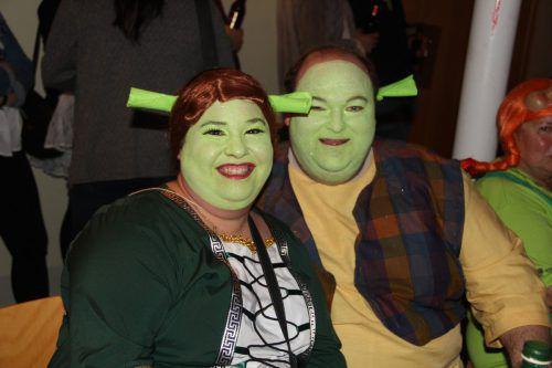 Zweimal Shrek: Simone und Hans stürzten sich ins närrische Getümmel.