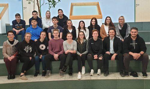 """Andreas Wassner (1. Reihe, 2. v. r.) besuchte auch die Klasse """"Lehre mit Matura"""" der Landesberufsschule Bregenz. LBS"""