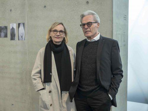 Auch Autorin Eva Schmidt und Franz Salzmann wohnten der Eröffnung bei.