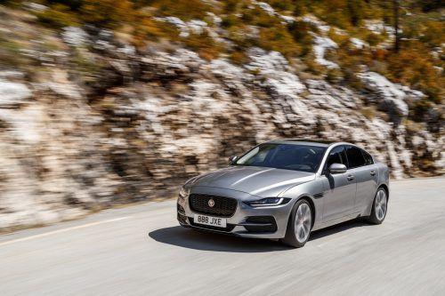 Auch bei der Optik haben die Briten nachgeschärft: sieht jetzt richtig gut aus, der Mittelklasse-Jaguar.werk