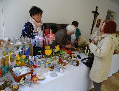 Auch der Erlös aus dem Osterbasar ging an Hilfsprojekte.