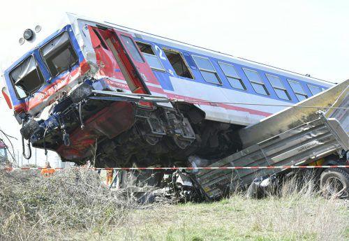 Bei dem Unfall wurde 15 Menschen verletzt, drei von ihnen schwer. APA