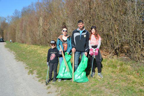 Bei strahlendem Sonnenschein waren viele Altacher unterwegs um die Arbeit für diejenigen zu machen, die es nicht schaffen, ihren Müll regulär zu entsorgen. egle