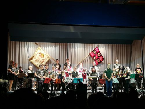 Beim Frühjahrskonzert der Harmoniemusik Muntlix zeigte auch die Jungmusik Muntlix-Sulz ihr Können. SMV Sulz
