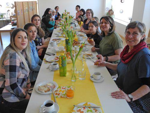 Beim Frühstück Informationen zu erhalten bietet der Familientreff Bifang an. rankweil