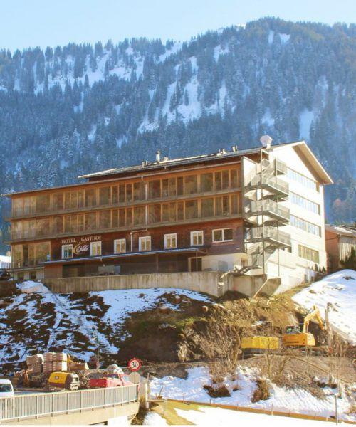 Beim Hotel Adler in Au entsteht auf der Westseite (rechts) des Objekts u. a. ein großzügiger Außenpool, auf der Nordseite sind zusätzliche Zimmer geplant.