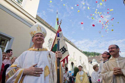 Benno Elbs bei seiner Weihe zum Bischof am 30. Juni 2013 im Feldkircher Dom. VN/Steurer